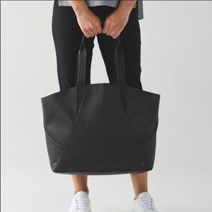 Large LuLulemon All Day Tote